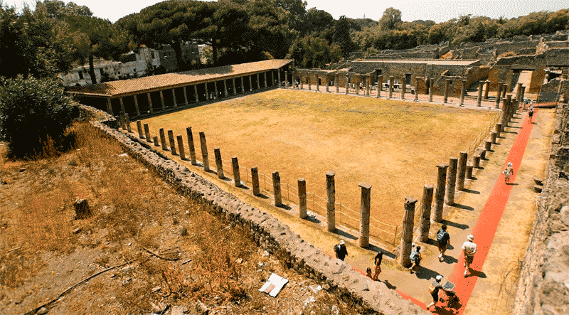 Capua, lugar donde se entrenaban los gladiadores, y donde Espartaco se convirtió en uno.