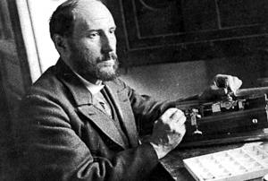 Santiago Ramón y Cajal trabajando en su laboratorio